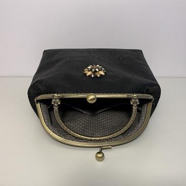 Fekete textilbőr táska belseje