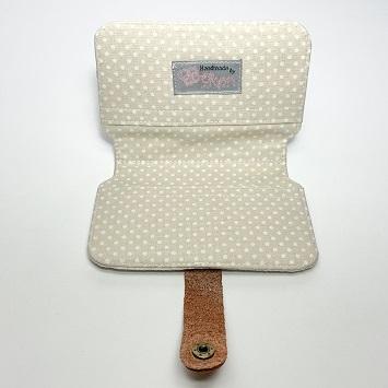 Vintage zsebkendő tartó belseje
